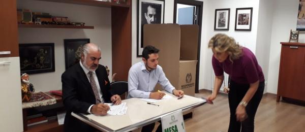 Las mesas de votación para la Consulta Popular Anticorrupción abrieron con normalidad en Bakú, Azerbaiyán
